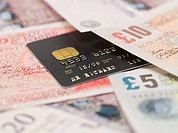 Credit card and banknotes (thumbnail)