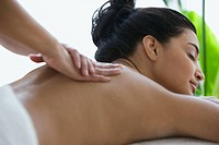 Woman having a massage (thumbnail)