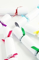 White christmas crackers
