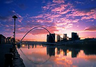 GATESHEAD MILLENNIUM BRIDGE, GATESHEAD, UNITED KINGDOM, Architect WILKINSON EYRE