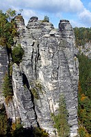 The Bastion, rock formation in the Elbsandsteingebirge Elbe Sandstone Mountains with people on a viewing platform, Nationalpark Saechsische Schweiz, N...