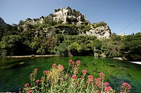 Castle ruins on a cliff, on Sorgue River, near Fontaine de Vaucluse, Provence, France, Europe