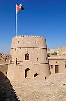 Historic adobe fortification Mahadah fort or castle near Buraimi, Hajar al Gharbi Mountains, Al Dhahirah Region, Sultanate of Oman, Arabia, Middle Eas...