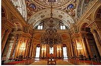 Ceremonial hall with enormous chandelier, Dolmabahce Palace, Sultan's palace from the 19th Century, Besiktas, Istanbul, Turkey
