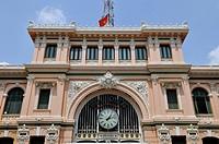 Building, clock above the entrance of the main post office, Ho Chi Minh City, Saigon, Vietnam, Southeast Asia