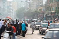 Scene on a lively street in the centre of Cairo, Egypt, Kairo