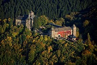 Aerial photo, Burg Schnellenberg, Schnellenberg Castle, autumnal forest, Attendorn, Sauerland, North Rhine_Westphalia, Germany, Europe