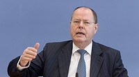 Peer Steinbrueck, SPD, minister of finance, at the Bundespressekonferenz, Federal Press Conference, Berlin, Germany