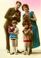 Historic photograph, kitsch, family with two children, around 1920