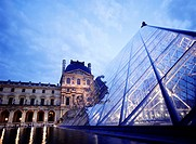 The pyramid of the Louvre at dusk