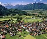 Aerial picture, Ohlstadt, Loisachtal Valley, Werdenfelser Land, Werdenfels, Wetterstein Range, Ammergau Alps, Upper Bavaria, Germany, Europe