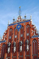 House of the Blackheads, Melngalvju nams, Renaissance style facade with sculptures at Ratslaukums square in the historic town centre, Vecriga, Riga, L...
