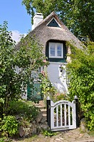 Thatched roof house in Sieseby, Schlei, Schleswig_Holstein, Germany, Europe