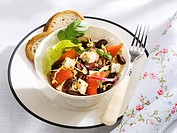 Red kidney bean, sheep´s cheese and pepper salad