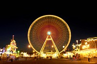 Ferris wheel at the Cannstatter Volksfest Fair, night shot, in Stuttgart, Baden-Wuerttemberg, Germany, Europe