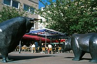 Statue of Bull and Bear in front of the Boersencafe, Frankfurt, Hesse, Germany, Europe