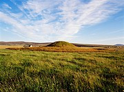 MAESHOWE ORKNEY Neolithic burial tomb chamber mound