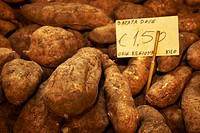 sweet potato Ipomoea batatas, at the market: sweet potatoes, Portugal, Madeira, Funchal