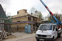 Construction of a framehouse by carpenters, single-family house in an energy conserving timber frame style, Recklinghausen, North Rhine-Westphalia, Ge...