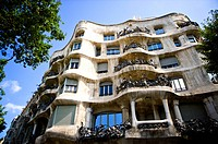 Spain, Catalonia, Barcelona Casa Mila (thumbnail)