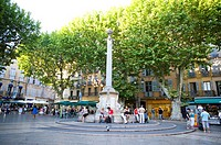 Fountain in Aix-en-Provence, Provence-Alpes-Cote d'Azur, France (thumbnail)