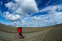 Mountain biking, Hveravellir, Kjoelur piste, Iceland