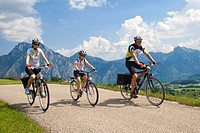 family with bicycles in the mountains, Austria, Upper Austria, Gmunden