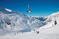 Resort pistes and mountain ranges, St. Anton am Arlberg, Tirol, Austrian Alps, Austria, Europe