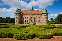 Castle, Egeskov, Denmark, Funen, Fyn, castle, moated castle, brick architecture, clouds, castle park