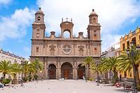 Spain _ Canary Islands _ Gran Canaria _ Las Palmas de Gran Canaria _ Plaza Santa Ana _ Santa Ana Cathedral