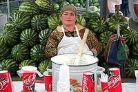 venditrice di gelato, tashkent, uzbekistan
