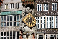Statue of Roland, old building facade in the background, Bremen, Germany