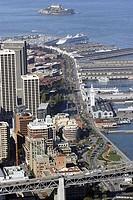 USA, California, San Francisco, Docks with Alcatraz in background