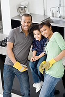 Family in kitchen (thumbnail)