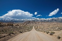 USA, California, Sierra Nevada, Flat Road, in background Mount Whitney