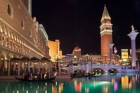 USA, Las Vegas, Hotel Venetian at night