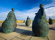 England, Tyne & Wear, South Shields  Bronze statues forming the 'Conversation Piece' artwork located near Little haven Beach