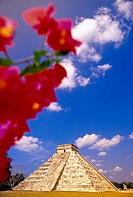 El Castillo Pyramid Chichen Itza Yucatan Peninsula Mexico