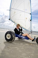 Woman sand_yachting