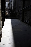 Scotland, Midlothian, Edinburgh, A narrow street and steps in the Old Town of Edinburgh