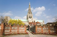 England, West Sussex, Chichester, A view toward Cathedral Church of the Holy Trinity and St Richard´s Walk in spring.