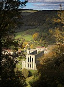 England, North Yorkshire, Rievaulx, A view toward Rievaulx Abbey. Founded by St Bernard of Clairvaux in 1132 and became one of Englands wealthiest mon...