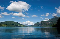 Austria, Salzkammergut, Lake Mondsee, Mount Schafberg in background