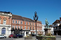 England, Hampshire, Romsey, Statue of Lord Palmerston, twice Prime Minister between 1855 and 1865, in the Market Place in Romsey.