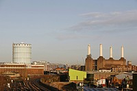 England, London, Battersea, Railway tracks leading past the iconic London landmark, Battersea Power Station, which ceased producing electricity in 198...