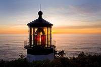 USA, Oregon, Tillamook County, Cape Meares State Park, Cape Meares lighthouse, Pacific ocean, sunset, August