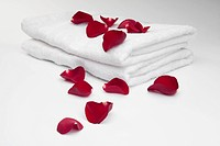 Rose petals on towels