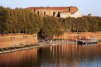 PLACE DE LA DAURADE ON THE BANKS OF THE GARONNE, CITY OF TOULOUSE, HAUTE_GARONNE 31, FRANCE