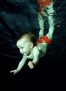 baby diving in pool, Pool, Austria