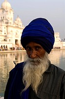 India, Punjab, Amritsar, the Golden Temple, portrait of a sikh